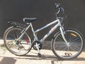 GENTLY USED LADIE'S SPORTEK RIDGERUNNER 18 - SPEED.
