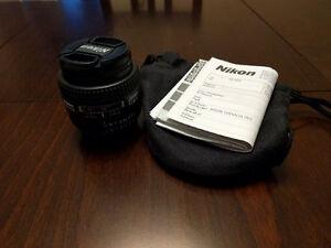 Nikon AF-D 28mm