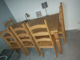 Beautiful Solid pine table & 6 chairs