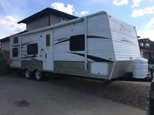 Reduced! Must sell! 2011 Crossroads Zinger Travel Trailor