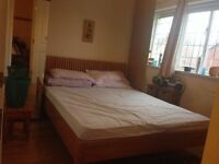 DOUBLE ROOM £550 PCM ONLY 1 PERSON VERY NICE FULL FURNSH IN { TW7 6SX } HOUNSLOW ONLE 1 PERSON