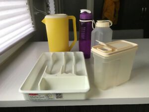 RUBBERMAID KITCHEN CONTAINERS