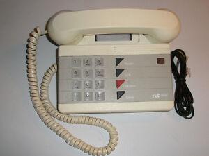 Téléphone Northern Télécom à pitons,1987,crème,A1,solide.