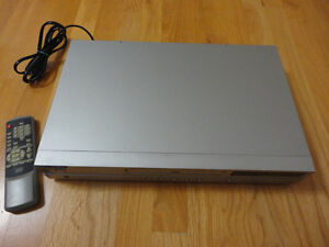 Diamond brand DVD player with remote London Ontario image 5