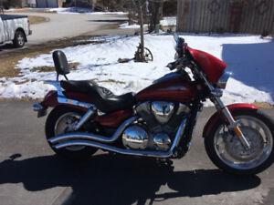 2009 VTX 1300 C motor cycle