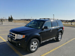 2010 Ford Escape XLT, V6, Leather seat