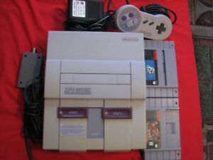 SNES - SUPER NINTENDO & TWO GAMES