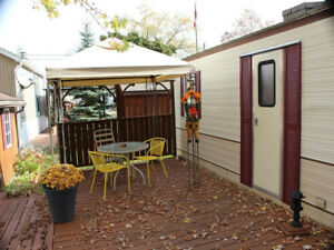 1987 Glendale 40' x 10' Park Model (trailer) in Green Acres Park