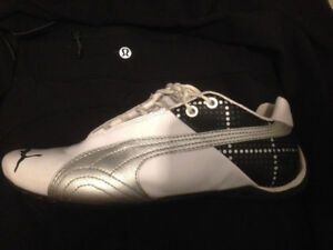 Puma sneakers Size 9 Excellent condition gently worn a few times