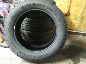P275/55R20 Good year Wrangler