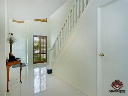 ID 3867917 - Fully Furnished 3 Bed Town House