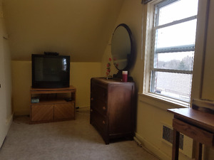 Room for rent in private house West