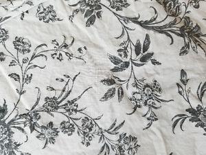 Très bel ensemble pour lit double de qualité, très propre