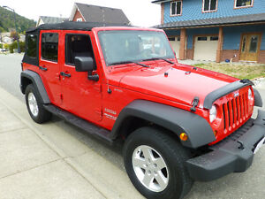 2010 Jeep Wrangler Unlimited Sport, A/C, tow, accessories