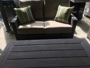 patio love seat and coffee table