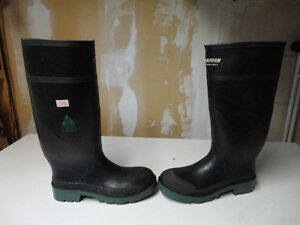 Baffin rubber safety boots