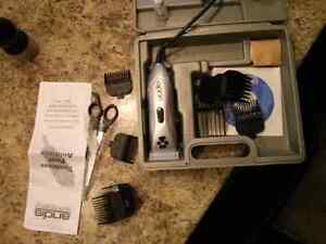 Electric pet trimmer / clipper Andis 12piece kit Gatineau Ottawa / Gatineau Area image 1
