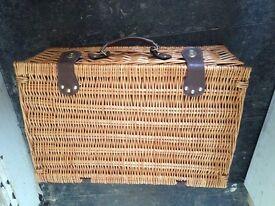 Wooden picnic basket - new