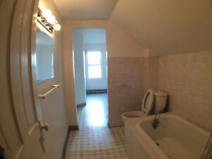 ** Perfect for Single Family** Oakville / Halton Region Toronto (GTA) image 9