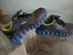 Reebok kids shoes size 1 Gently used