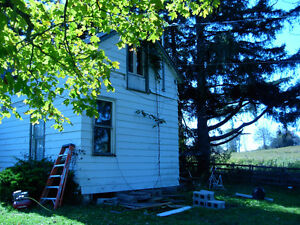 Century FARM HOUSE south PORT PERRY SEP 1 - includes utilities