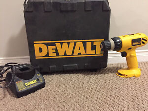DeWALT Cordless Drill w charger and case -- Used