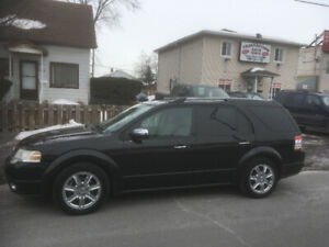 FORD  TAURUS    2009    4x4    dvd   6  passagers