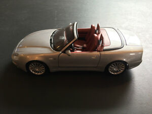 Selling Maisto Special Edition Maserati Spyder 1:18 West Island Greater Montréal image 2
