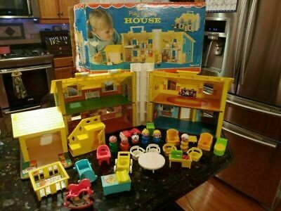 VTG FISHER PRICE LITTLE PEOPLE PLAY FAMILY YELLOW HOUSE #952 W/ BOX INCOMPLETE