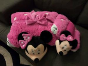 Dream lit pillows