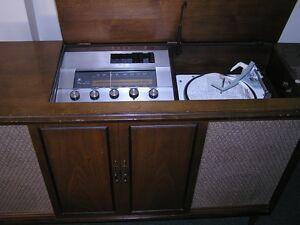Vintage 1954 VIKING STEREOPHONIC CABINET RECEIVER- TUBE working West Island Greater Montréal image 3
