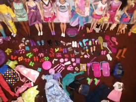 Huge doll set and accessories, Barbie house and accessories...