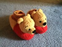 Winnie the Pooh Slippers (toddler 6-8)