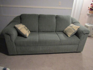 CHESTERFIELD, Stunning, Excellent condition, Next to New