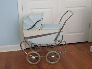 DOLL CARRIAGE - LLOYDS - ANTIQUE