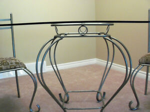 ****BEAUTIFUL DINING TABLE SET WITH ELEGANT GLASS ACCENT**** Stratford Kitchener Area image 4