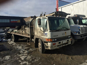 2001 HINO,5 TON , CAB OVER,22' FLAT DECK ,200HP,AUTOMATIC