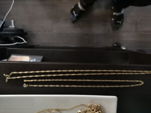 "10k gold Singapore chains 18"" and 22"""