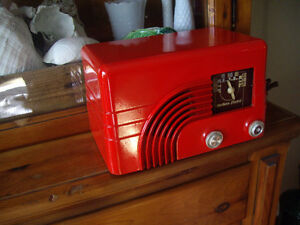 RED MID-CENTURY RESTORED RADIO
