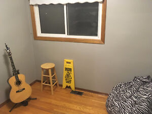 Room for Rent- close to Western and Fanshawe London Ontario image 5