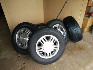 4 Chev Venture Alloy Rims and Tires: 5 bolt-115mm Bolt Pattern