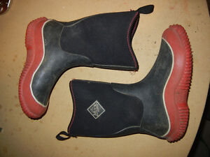 Muck Boots - Size 4