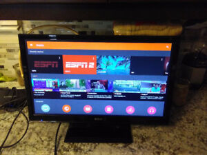 """LIKE NEW 24"""" RCA LED TV with DVD player inside"""