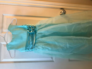 *NEW WITH TAGS* Flower girl/junior bridesmaid dress