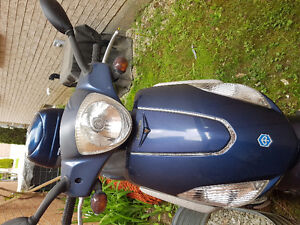 2009 Piaggio Fly 150cc Scooter $700.00