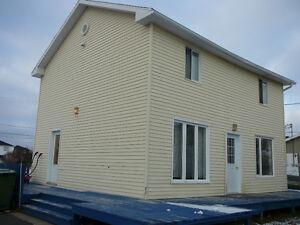 maison à vendre ou à louer à Havre-Saint-pierre, Havre-St-Pierre