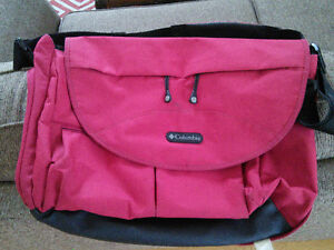 Columbia outfitter diaper bag, very good condition