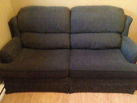 Hide-a-bed couch excellent condition like NEW