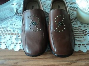Alia brown shoes, size 7