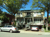 Haute triplex a louer /Upper Triplex for rent Ahuntsic Ouest